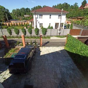 Парковка в загородном доме