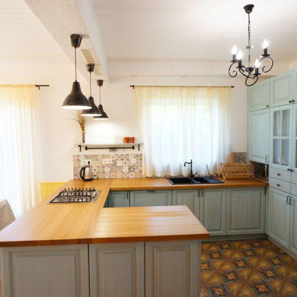 Кухня в стиле Прованс, дом в Новой Москве